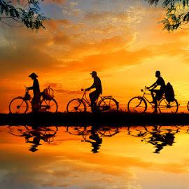 ngepit mulih by Indra Prihantoro - Digital Art People ( sunset, bicycle )