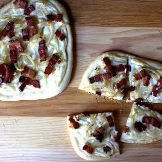 Pizza With Bacon, Onions And Cream.