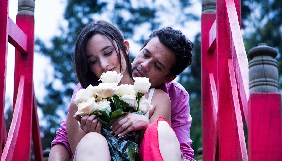 White roses mean love by Anna Melendez - People Couples ( miami photographer, compromiso, recinto del pensamiento, photography, love, amor, colombia, dany y jean pierre, wedding, anna bolena melendez, once upon a fairy dog, couple sessions, engagement,  )