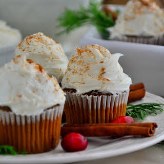 Gingerbread Cupcakes with Vanilla Cream Cheese Frosting.