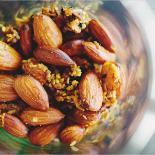CURRY ROASTED ALMONDS.