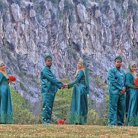 We Are One The Same by Tun Izmir - Wedding Bride & Groom