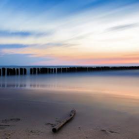 Seascape by Markus Busch - Landscapes Beaches ( miedzyzdroje, urlaub, graufilter, langzeitbelichtung )
