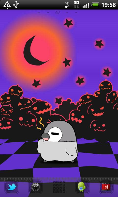 Pesoguin LWP Halloween Free- screenshot