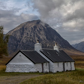 Blackrock cottage by Andrew Magee - Landscapes Mountains & Hills