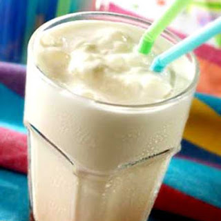 Homemade Vanilla MilkShakes without Ice Cream.