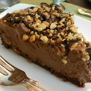 Snickers-Inspired Chocolate, Caramel, and Peanut Butter Pie [Vegan].