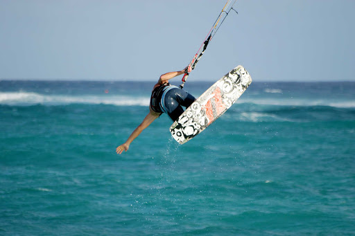 kite-surf-Barbados - Kitesurfing — sometimes called kiteboarding or sailboarding — on Barbados.