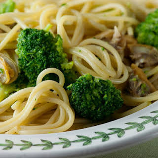 Spaghetti with Clams and Brocolli.