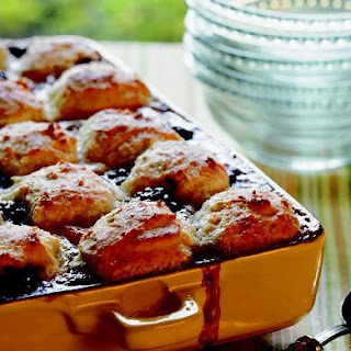 Momma Daisy's Peach and Blackberry Cobbler