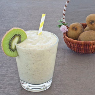 Mango Kiwi Banana Smoothie