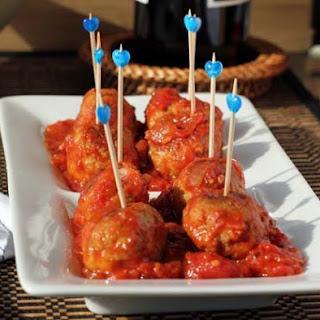 Turkey Pesto Meatballs with Tomato Sauce.