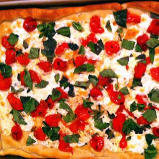 Weeknight Cherry Tomato Margherita Pizza