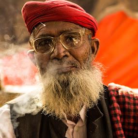 Solitude by Avanish Dureha - People Portraits of Men ( new delhi, dureha@gmail.com, chandni chowk, avanish dureha, street photography )