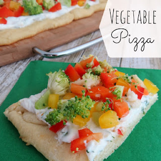 Vegetable Pizza Appetizer - Healthy Game Day Snack!.
