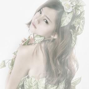 Elf of the forest by Tim Kek - People Fashion ( model, girl, leaf, pretty, elf )