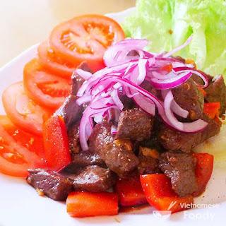 Ingredients of Vietnamese Shaking Beef (Bò Lúc Lắc)