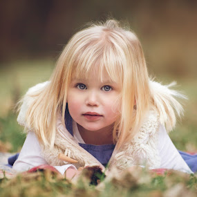 Christmas Sessions by Dominic Lemoine Photography - Babies & Children Child Portraits