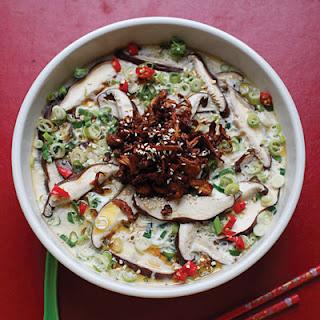 Meiwei Mogu Naiyou Dong Zhrou (Savory Mushroom and Pork Custard).