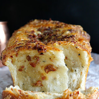 Bacon and Cheddar Pull Apart Bread.