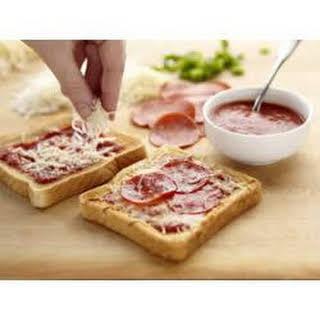 Wonder Kids Mini Pizzas.