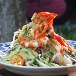 Green Papaya Salad With Prawn & Pork