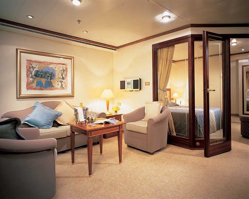 Medallion_Suite_Silversea-1 - Five hundred square feet of luxury will surround you in the Medallion Suite aboard Silver Whisper.