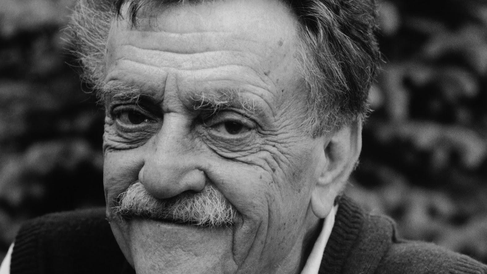 A biography of kurt vonnegut jr an american writer