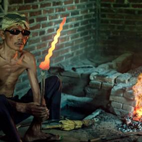 Glowing Keris by Mario Wibowo - People Professional People ( studio, yogyakarta, 2014, indonesia, mario wibowo, kelapa gading, trip, travel, tour, mwp )