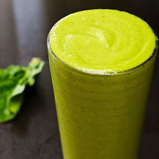 Spinach Green Smoothie with Yogurt