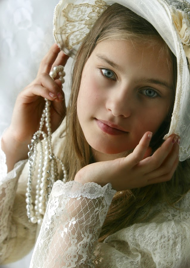 Jessica by Pirjo-Leena Bauer - Babies & Children Child Portraits