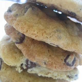 Chelle's Soft & Gooey Chocolate Chip Cookies