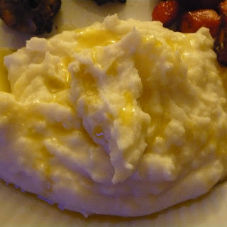 Simply Creamy Garlic Sierra Gold Mashed Spuds.