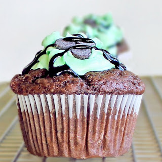 Monster Mint-Chocolate Cupcakes