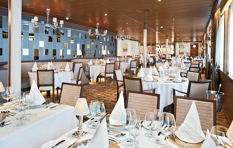 Experience the ambience of Wind Surf's contemporary dining room, AmphorA.
