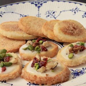 Jødekager and Sukkerkager (Danish shortbread cookies)