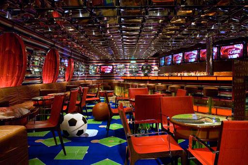 Carnival-Splendor-Sports-Bar - Watch your favorite teams at the Sports Bar aboard Carnival Splendor.