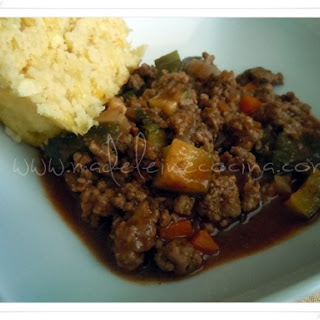 Spiced Ground Meat with Vegetables and Mole Sauce.