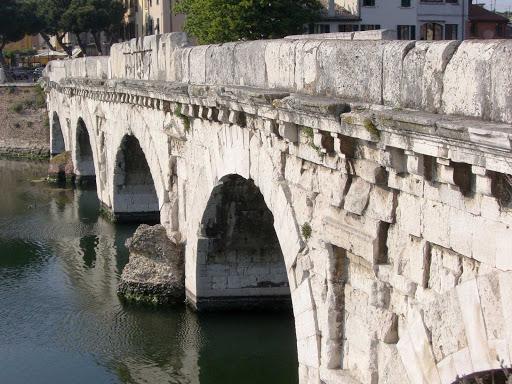 bridge-pisa-italy - Bridge in Pisa, Italy.