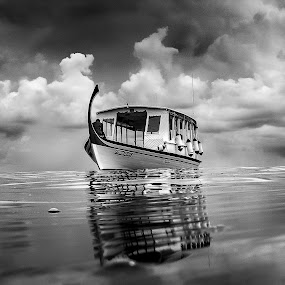 Treasure Hunt by Paulo Penicheiro - Black & White Landscapes ( water, boats, asia, maldives. ocean, sea, black&white,  )