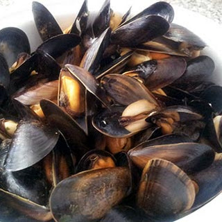 Garlic and Parsley Steamed Mussels.