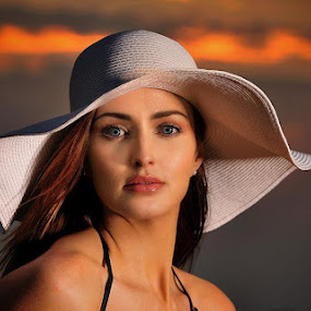Sunset at the Beach by Leslie Hanthorne - People Portraits of Women