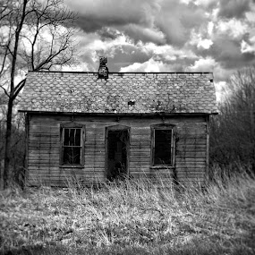 Left Behind by Brian Frankforther - Buildings & Architecture Decaying & Abandoned ( byrddogproductions, frankforther, lightroom, house, nikon, d5100, country, abandoned, photoshop )
