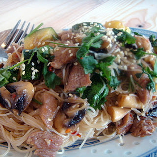 Quick and Easy Chinese Fried Noodles.