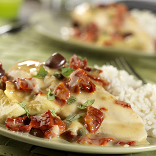 Slow Cooker Chicken in Creamy Sun-Dried Tomato Sauce.