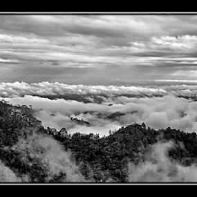 Sea of Clouds  by नवीन जोशी - Landscapes Cloud Formations ( clouds )