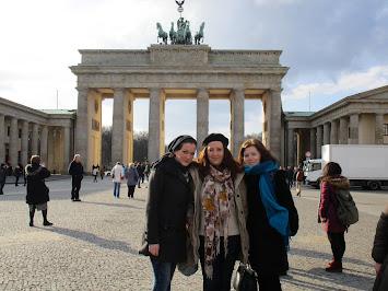 ausländische Freiwillige in Berlin.jpg