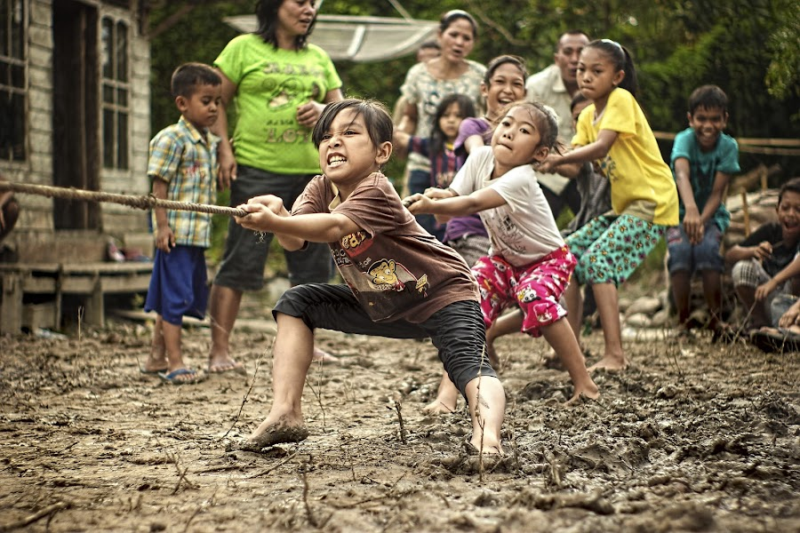 tug of war by Yudha Aja - Babies & Children Children Candids