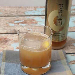Amaretto Lemon Drink.