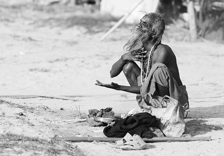 Prayer to the sun by Marco Parenti - People Street & Candids ( candids, people, black&white, Travel, People, Lifestyle, Culture )